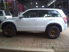"31"" + Lift Grand Vitara, Fender Flares, Jeep Grand, Future Car, Stunts, Jeeps, Rigs, Cherokee, Cars And Motorcycles"