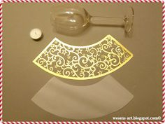A great decoration for the Christmas time. Dies ist ein Lampenschirm f. Diy Party Decorations, Christmas Decorations, Tea Lights, Wall Lights, Silhouette Curio, Light In, Diy Home Crafts, Paper Lanterns, Lampshades