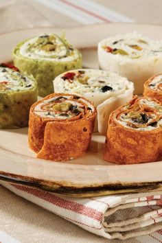 There is a whole lot of flavor wrapped up in these colorful little pinwheels. You can serve them cold as appetizers or a fun snack. Tailgate Appetizers, Tailgating Recipes, Tailgate Food, Appetizer Recipes, Low Carb Recipes, Cooking Recipes, Pinwheel Recipes, Football Food, Game Day Food