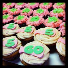 Cheerleading cupcakes
