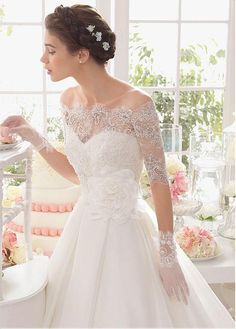 Elegant Organza Satin Sweetheart Neckline Natural Waistline Ball Gown Wedding Dress With Beaded Lace Appliques