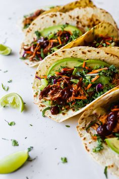 Delicious BBQ Chicken Tacos topped with slaw, avocado, coriander Chicken Taco Recipes, Chicken Tacos, Healthy Lunches For Kids, Healthy Snacks, Vegetarian Recipes, Healthy Recipes, Savoury Recipes, Shredded Bbq Chicken, Little Lunch