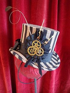 Just Mad as a Hatter.: Steampunk Anyone? Chat Steampunk, Steampunk Circus, Mode Steampunk, Style Steampunk, Steampunk Top Hat, Steampunk Design, Steampunk Costume, Steampunk Clothing, Steampunk Fashion