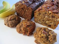 Madame Labriski - Ces galettes dont tout le monde parle - : La COMME DU PAIN AUX BANANES (version Labriski Cookie Desserts, Dessert Recipes, Muffin Bread, Biscuit Cookies, Sweet Chili, Breakfast Muffins, Foods With Gluten, Healthy Sweets, Sweet Bread
