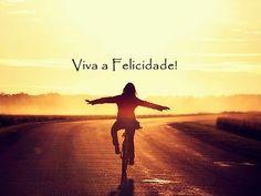A felicidade é um caminho que tem de ser construído. Como? Veja no meu blog: http://blog.catiaeluis.com/blog/a-felicidade-%C3%A9-o-caminho