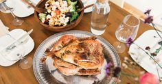 Achieve nutrition and weight goals with ideas like these Paleo dinner recipes. Check out these 25 easy fast healthy dinner recipes that you can try this week. Thanksgiving Feast, Thanksgiving Recipes, Hosting Thanksgiving, Thanksgiving Traditions, Air Fryer Recipes, Fodmap, Healthy Dinner Recipes, Delicious Recipes, Instant Pot