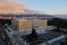 Hellenic Parliament from high above - Amélie d'Oldenbourg — Wikipédia Athens, Paris Skyline, Greece, Politics, Construction, Mansions, House Styles, Travel, Royals