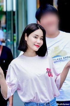AOA - Yuna South Korean Girls, Korean Girl Groups, Aoa Elvis, Fnc Entertainment, Seolhyun, Girl Bands, Jimin, Angels, Kpop