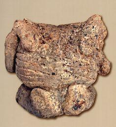 Çatalhöyük,seramik Ana Tanrıça figürin, L.Meskell, C. Nakamaura, Konya Arkeoloji Müzesi (Erdinç Bakla archive)
