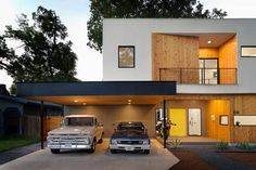Matt Fajkus Architecture built this house around an oak tree in Austin, TX