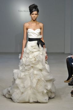 Vera Wang Black Wedding Dresses | Vera Wang wedding dresses 2013 are special ones and beautiful dresses ...