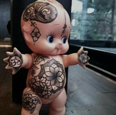 """Drawing on the baby"" by Hannah Snowdon ~ amazing :)"