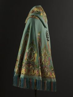 Burnoose, turquoise cashmere wool, silk threads embroidery, from the private collection of Cristóbal Balenciaga, 1965