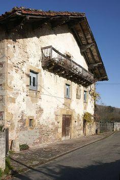 Caserio de Oieregi. Navarra. © Inaki Caperochipi Photography