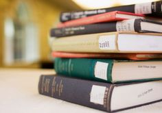 Baixe (legalmente e de graça) 14 livros que caem no vestibular