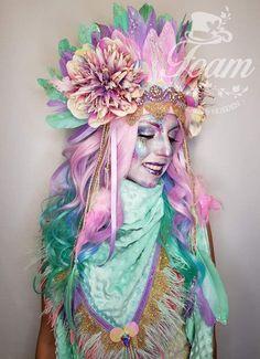 Costume Hats, Dress Up Costumes, Costume Makeup, Festival Looks, Festival Wear, Festival Fashion, Feather Headpiece, Headdress, Karneval Diy