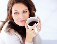 Solid Advice On How To Live With Diabetes. Diabetes is a serious condition and can result in further complications. Diabetics can extend their life prognosis and enjoy a higher standard of health if People Drinking Coffee, Drinking Black Coffee, Coffee Drinks, Coffee Cups, Coffee Time, Hot Coffee, Drinking Tea, Morning Coffee, Green Tea Benefits