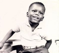 Bernie Mac was born in Chicago's South Side raised by his single mother, Mary, who died of cancer when he was Celebrity Baby Pictures, Celebrity Babies, Young Celebrities, Young Actors, Bernie Mac, Yearbook Photos, Black Image, Before Us, Famous Faces