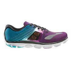 If you're serious about running, then you should be serious about the shoes you choose. Read on to find out more about shoe myths and the best running shoe styles for your feet. Running Shoe Brands, Best Running Shoes, Lightweight Running Shoes, Leg Work, Victorias Secret Models, Strength Workout, Courses, Shoes Online, Boots