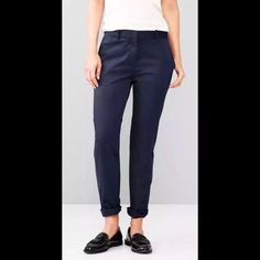 New Gap Khakis Jeans Pants ''Broken in Straight'' Brand new with tag. Size: 00. Style: broken in straight GAP Pants Straight Leg