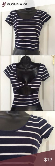 Navy Blue and White Stripe Crop Tee Top 🚭 Items from smoke and pet free home 📬Fast same or next day shipping 🚩Any flaws are noted in description/photos ♻️Packaging recycled/reused-please recycle ❓ Please reach out with any questions! 👙Thank you for visiting my closet! Forever 21 Tops Crop Tops