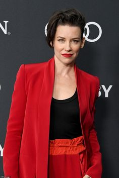 Dramatic: Evangeline Lilly, who plays The Wasp, stood out from the crowd in a scarlet red suit Purple Suits, Red Suit, Elizabeth Henstridge, Letitia Wright, Pretty Star, Evangeline Lilly, Marvel Women, Poses For Photos, Cute Beauty