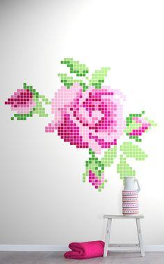 Ruusukuvioinen paneelitapetti on ihastuttava yhdistelmä isomummon aikaisia ristipisto- ja kanavatyömalleja ja modernia pikselöintitekniikkaa. Wall Finishes, Painted Paper, Modern Country, Little Red, Polka Dot, Red And White, Daisy, Projects To Try, Painting