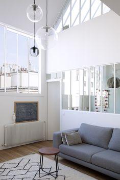 Verrière intérieure - chambre enfant / Double verrière suivant la pente du toit pour la chambre du haut, et verrière à l'horizontal pour celle du bas / Archi ATELIER PREMIER ETAGE