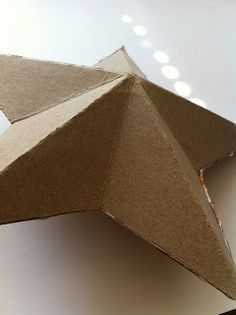 DECK THE HOLIDAY'S: DIY 3D CARDBOARD STAR!