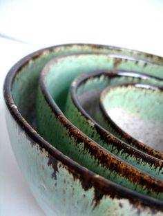 lydiaslovelies:  Handmade Wheel Thrown Nested Bowls by NewMoonStudio Love the glaze!!!!!