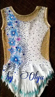 Made to measure! PLEASE NOTE: This service takes approx 4-6 weeks! Custom made to the HIGHEST STANDARD! Absolutely Stunning Skaiting Dress,Rhythmic Leotard or Twirling Costume! Thick lycra a stunning design of crystal ss16 ss20(MORE THAN 3000 CRYSTALS) and lot of sewing on rhinestones.