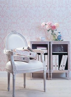Pastel interiors usually looks very elegant and attractive. When two or more than two gentle pastel tones are used in one room it becomes very charming Foyer Design, Interior Pastel, Pastel House, Pastel Decor, Pretty Room, Interior Inspiration, Interior Ideas, Dining Chairs, New Homes