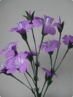 crepe paper flowers. Russian instructions. Plenty of pics.