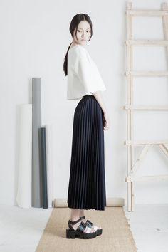 Back in stock / Hakama pleated midi skirt / by SaturdayProject