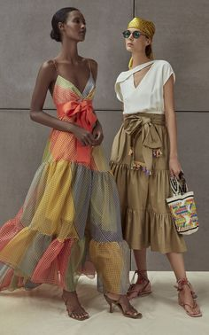 Get inspired and discover Silvia Tcherassi trunkshow! Shop the latest Silvia Tcherassi collection at Moda Operandi. Fashion 2020, Look Fashion, Spring Fashion, High Fashion, Fashion Show, Womens Fashion, Fashion Design, Fashion Trends, Fashion Ideas