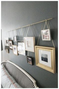 55 ausgefallene Bilderwand und Fotowand Ideen Picture suspension with rod. Hang pictures creatively made easy – Angular picture frames of different sizes hung side by side. Great contrast in front of the dark gray wall – deco idea over the bed Hanging Curtains, Diy Curtains, Bedroom Curtains, Bohemian Curtains, Diy Hanging, Decoration Bedroom, Wall Decor, Diy Home Decor, Wall Art