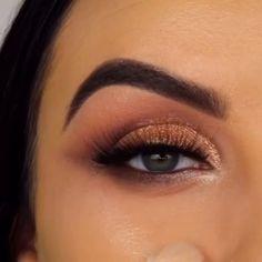 Beautiful eye makeup tutorial by ❤ Makeup 101, Makeup Goals, Skin Makeup, Makeup Inspo, Eyeshadow Makeup, Makeup Inspiration, Beautiful Eye Makeup, Cute Makeup, Pretty Makeup