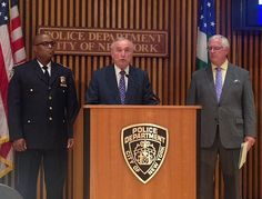 Bratton announced today that now is the time when NYC needs to implement a new anti-terrorism program which would empower a team of NYPD officers to roam around the city carrying machine guns.