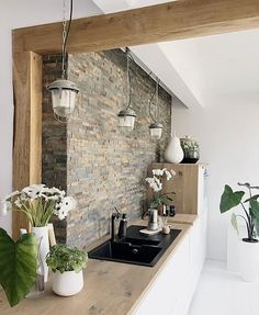 To apply wooden kitchen interior design ideas to your own kitchen is the best choice. Get a dreamy wooden kitchen in your house. Wooden Kitchen, Rustic Kitchen, New Kitchen, Kitchen Decor, Updated Kitchen, Kitchen Ideas, Kitchen White, Beautiful Kitchens, Interior Design Kitchen