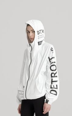 UEG | CITIES UEG CITIES PROJECT IS A PART OF LIFESTYLE PACKAGING LINE THAT EXPLORES CLOTHING AS A METAPHOR OF PACKAGING FOR HUMAN BODY. THE TYVEK® ZIP-UP IS A SLIGHTLY OVERSIZED JACKET WITH TWO WAIST POCKETS AND AN ELASTIC BAND FOR A BOMBER FIT. A SINGLE LAYER OF THIN, BREATHABLE TYVEK® ENSURES COMFORT AND LIGHTNESS. …