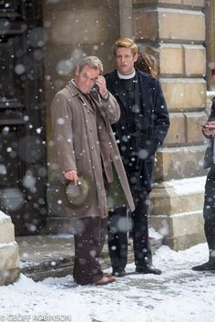 Geoff Robinson @GeoffRobinson49 Snowing in #Cambridge today for Robson Green and @jginorton . #Grantchester @GrantchesterUK @uksnowalert