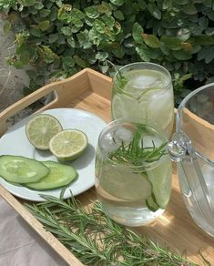 Rosemary Lemonade, Cool Cafe, My Favorite Color, Pretty Pictures, Food Videos, Love Food, Food And Drink, Instagram, Aesthetic Korea