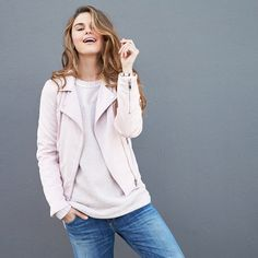 Sick of the cold? We feel you! Break out of your winter rut by wearing spring trends now.