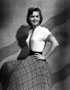 debbie reynolds   Debbie Reynolds In The 1950s is a photograph by Everett which was ... Vintage Hollywood, Hollywood Glamour, Classic Hollywood, Old Movie Stars, Classic Movie Stars, Classic Actresses, Actors & Actresses, Debbie Reynolds Carrie Fisher, The Unsinkable Molly Brown