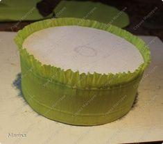 Привет всем!!! Я снова что-то навытворяла))) Решила сделать тортик на рождение ребенка, а вдохновила меня Евгения, спасибо ей огромное за такую красоту. Вот её тортик http://stranamasterov.ru/node/761424?c=favorite .Очень уж мне понравилась ее капуста, очень вкусная получилась))) Спасибо ей еще раз за помощь, она мне помогла сориентироваться с размерами листьев для капусты, ответила довольно быстро... Но у Евгении торт памперсный, а я свой сделала из коробки)))Я решила показать небольшой…