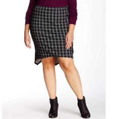 """Vanity Room plus size skirt Patterned skirt with elastic waist. 25"""" at longest length and 21"""" at shortest length. 68% rayon, 27% nylon and 5% spandex. Brand new with tags. Vanity Room Skirts Midi"""