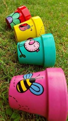 Macetas Pintadas A Mano N° 8 - $ 45,00 Flower Pot Art, Flower Pot Design, Clay Flower Pots, Flower Pot Crafts, Painted Plant Pots, Painted Flower Pots, Clay Pot Projects, Clay Pot Crafts, Pottery Painting Designs