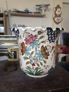 Vazo Ceramic Painting, Pottery Painting, China Painting, Blue And White Vase, White Vases, White Porcelain, Porcelain Tile, Ceramic Plates, Ceramic Pottery
