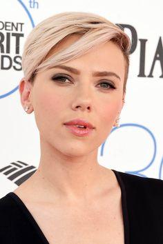Scarlett Johansson 2015  http://zipposh.com/jennifer-lawrence-is-the-highest-paid-actress/2015-film-independent-spirit-awards-arrivals/