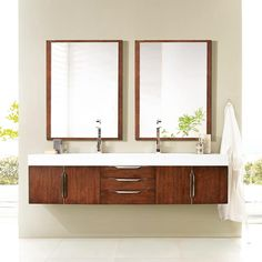 Combining charming design with superior quality this James Martin Furniture Mercer Island 72\